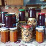 Autoproduzione: come fare la granola e la confettura di albicocche e prugne